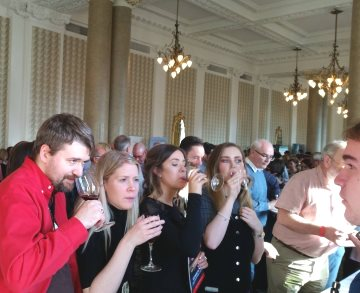 Wine tasters in Edinburgh